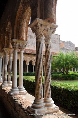 [NU906-2019-1643] Cloître des Bénédictins (Monreale) : Colonnes de l'aile Nord