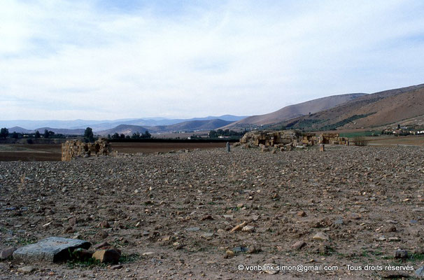 [006-1983-05] Sidi Slama (Henchir Bordj Hellal) : Forteresse byzantine - Tours et rempart