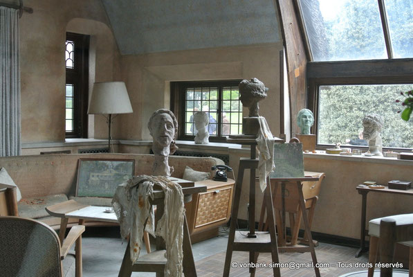 [NU900b-2012-0096] B - Bruxelles - Laeken : Atelier de sculpture de la Reine Élisabeth (détail)