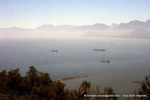 [071-1978-17] Corniche Kabyle : Béjaïa - Bateaux au mouillage
