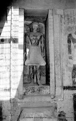 [NB085-1981-19] Saqqara - Mastaba de Mererouka : Statue de Mererouka (Chambre A13, mur Nord)