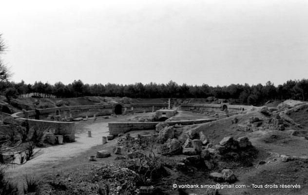 [NB016-1981-07] Carthage (Carthago) : Amphithéâtre - Arène