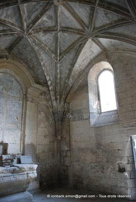 [NU001i-2018-0009] Arles - Les Alyscamps : Chapelle Saint-Accurse - Voûte à liernes et à tiercerons sur croisées d'ogives
