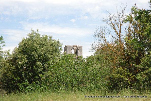 [NU003-2017-119] 13 - La Roque d'Anthéron - Abbaye de Silvacane : Clocher carré ajouré sur chacune de ses faces d'une baie géminée