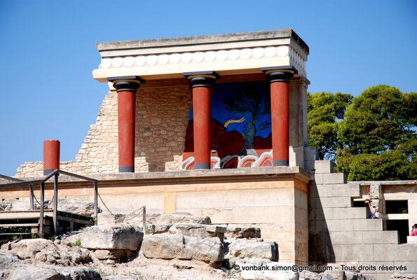 [NU905-2011-187] Cnossos (Crète) : Entrée Nord avec les vestibules à colonnes partiellement reconstitué