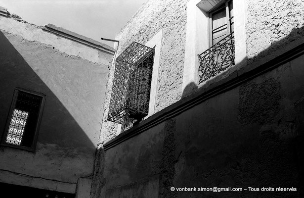 [NB050-1978-33]  Temacine-Tamelhat - Fenêtres finement grillagées