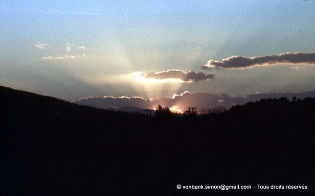 [020-1978-15] Hammam Meskoutine (Aquae Thibilitanae) : Coucher de soleil