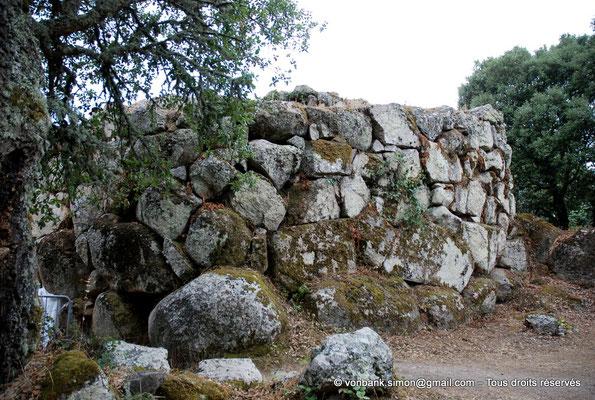 [NU904-2015-111] Nuraghe Majori (Sardaigne) : Mur extéreur Est