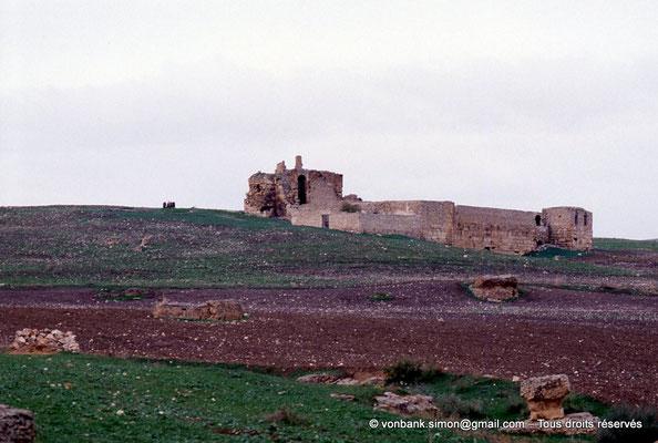 [034-1983-23] Aïn Hedja (Agbia) : Citadelle byzantine - Extérieurs