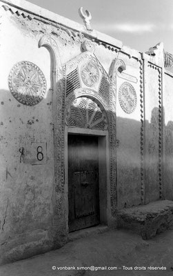 [NB050-1978-03] Temacine-Tamelhat - Habitation à façade ouvragée