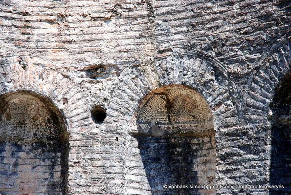 [NU902-2010-113] Butrint (Buthrotum) : Détail de la mosaïque de la fontaine du Gymnase