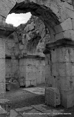 [NB059-1978-30] Djemila (Cuicul) : Sous-sols du Capitole