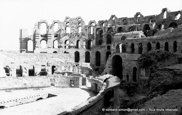 [NB012-1981-15] El Djem (Thysdrus) : Amphithéâtre