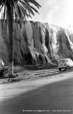 [NB025-1978-49] Hammam Meskoutine (Aquae Thibilitanae) :  Cascade pétrifiée