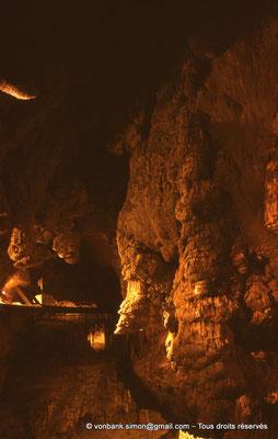 [085-1973-31] Grottes de Jeita