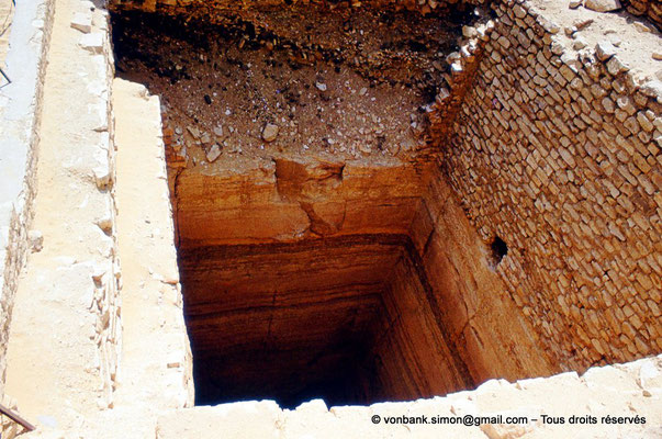 [083-1973-04] Saqqara - Djoser : Puits