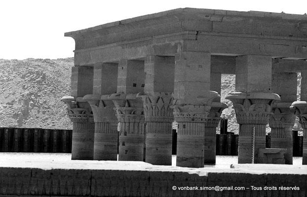 [NB076-1973-17] Philae : Kiosque de Trajan