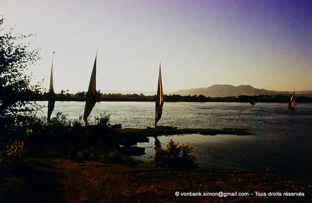 [083-1973-27] Louxor : le Nil