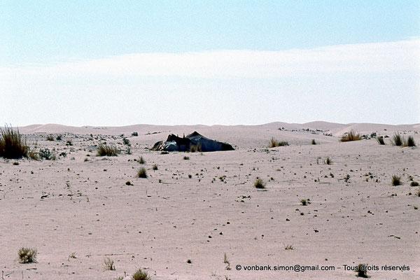 [015-1979-07] Désert - Tente bédouine
