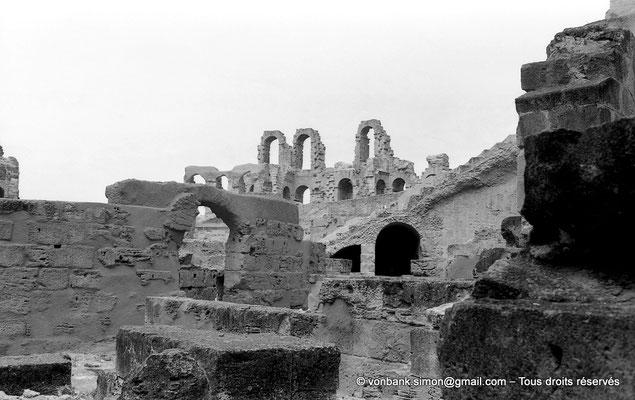 [NB011-1981-30] El Djem (Thysdrus) : Amphithéâtre