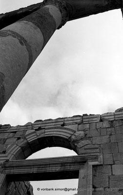 [NB033-1978-05] Djemila (Cuicul) : Temple Septimien