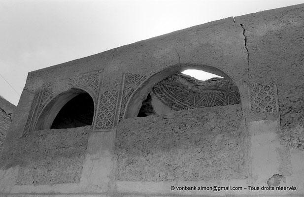 [NB050-1978-37] Temacine-Tamelhat - Habitation à loggias, coupoles et façade ouvragée