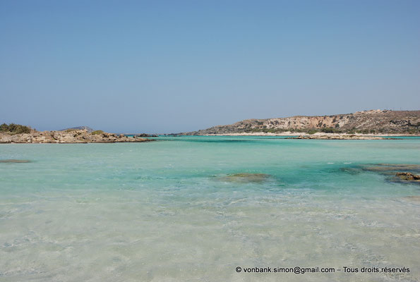[NU900x-2013-0093] GR - Crète - Elafonissi : Eaux cristallines de la lagune