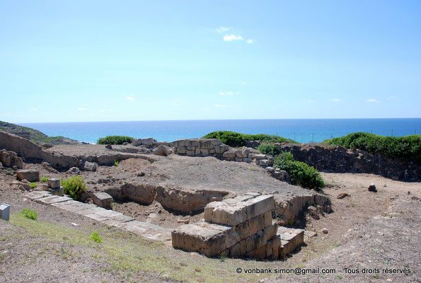 [NU904-2015-205] Tharros (Sardaigne) : Fortifications (colline Su Muru Mannu)