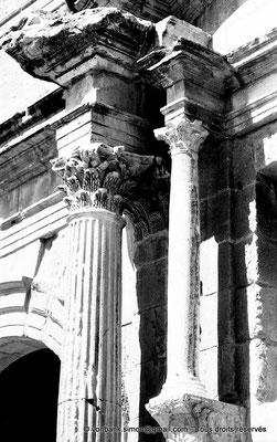 [NB038-1978-10] Timgad (Thamugadi) : Arc de Trajan (détail)