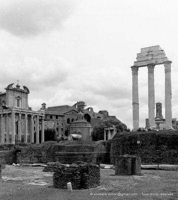 [C010-2001-01] Rome - Forum Romanum : Temple des Dioscures (Castor et Pollux) - en arrière-plan, sur la gauche, le Temple d'Antonin et Faustine et, sur la droite, le clocher roman de la Basilique Sainte-Françoise Romaine