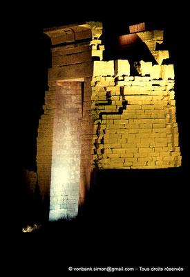 [081-1973-12] Karnak - Son et lumière : Porte de l'Est (Nectanébo Ier)