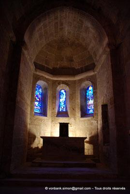[NU002f-2016-0397] 11 - Fontfroide : Intérieur de l'église abbatiale