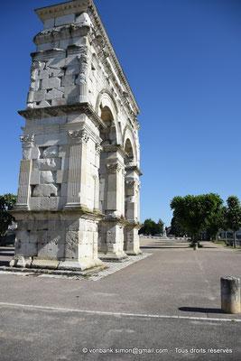[NU910-2020-2071] Saintes (Mediolanum Santonum) : L'arc votif (faces Sud et Est)