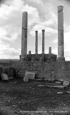 [NB035-1978-16] Timgad (Thamugadi) : Le Capitole