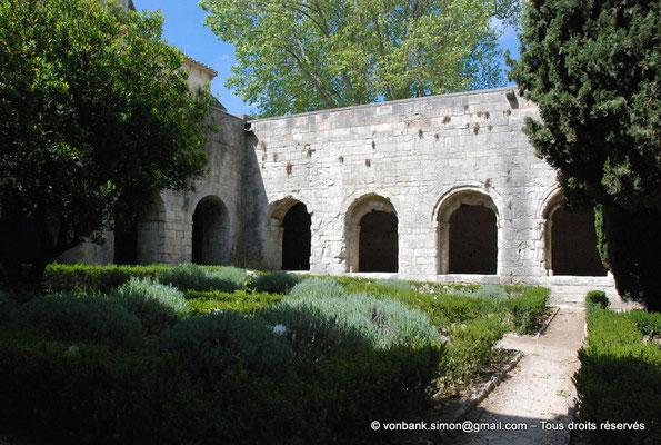 [NU003-2017-071] 13 - La Roque d'Anthéron - Abbaye de Silvacane : Cloître