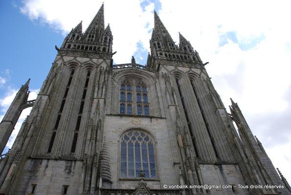 [NU002k-2016-0005] 29 - Quimper - Cathédrale Saint-Corentin : Façade occidentale (partie haute)