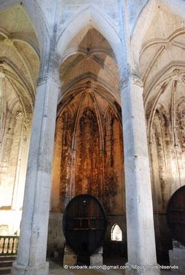 [NU001-2017-549] 34 - Villeveyrac - Valmagne : Chapelle rayonnante dans laquelle est installé un foudre en chêne de Russie