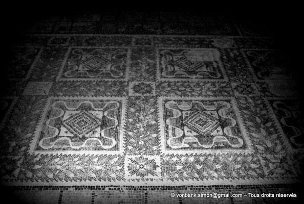 [079-1979-12] Bulla Regia : Mosaïques de la maison d'Amphitrite (sous-sol)