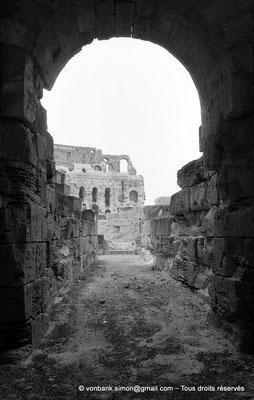 [NB011-1981-28] El Djem (Thysdrus) : Amphithéâtre
