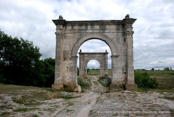 [NU001h-2018-0003] Saint-Chamas - Pont Flavien