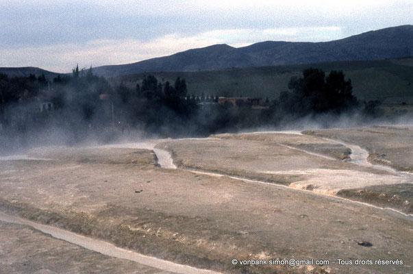 [018-1978-31] Hammam Meskoutine (Aquae Thibilitanae) : Ecoulements des eaux chaudes