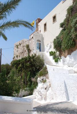[NU900x-2013-0142] Crète - Chrysoskalítissa : Escalier d'accès au monastère
