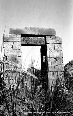 [NB075-1973-36] Karnak - Sanctuaires osiriens : Chapelle des divines adoratrices Nitocris Ire et AnkhNesNeferibRê