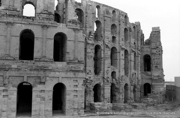 [NB011-1981-26] El Djem (Thysdrus) : Amphithéâtre