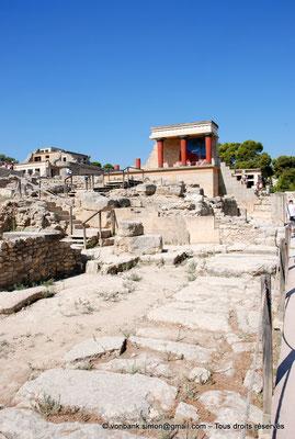 [NU905-2011-188] Cnossos (Crète) : Entrée Nord avec les vestibules à colonnes partiellement reconstitué