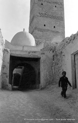 [NB050-1978-23] Temacine-Tamelhat - Rue de la mosquée de Si El Hadj Temacine