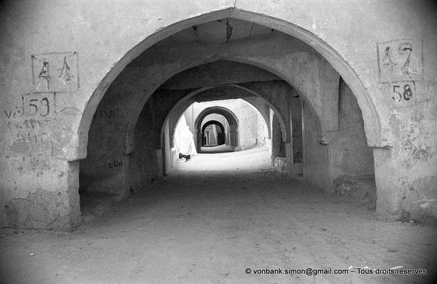 [NB063-1978-13] Temacine-Tamelhat - Rue avec passages couverts