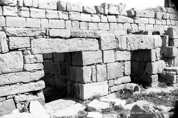 [NB056-1978-64] Timgad (Thamugadi) : Intérieur du fort - Etat-major