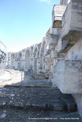[NU001k-2018-0015] Arles (Arelate) - Amphithéâtre : Arcades supérieures