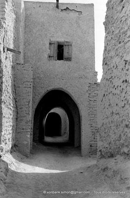 [NB050-1978-11] Temacine-Tamelhat - Rue avec passages couverts